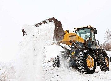 Уборка снега с территорий