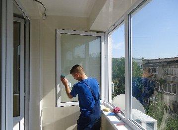 Мытье балконов и лоджий в квартирах